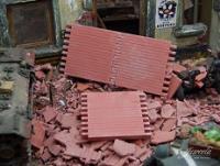 Wall Sections & Loose Bricks