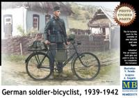 German Soldier-Bicyclist 1939-42 w/Photo-Etched Parts