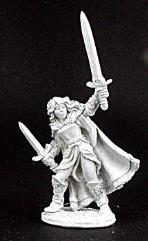 Aisha w/2 Swords