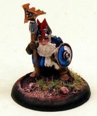 Dwarf Noble in Dragon Helm w/Poleaxe & Cloak
