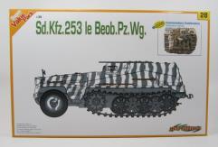 Sd.Kfz.253 le Beob.Pz.Wg. w/Command Crew