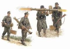 German Antitank Team w/Panzerschrek 1944-45