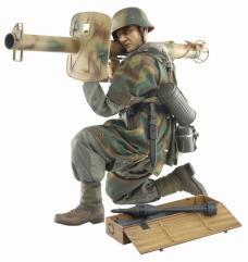 Hugo Hartwig (Grenadier) - Normandy Tank Killer w/Panzerschreck RPzB 54