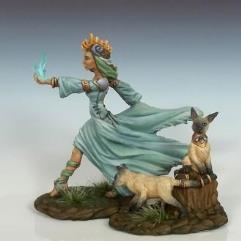 Female Mage w/Feral Cats