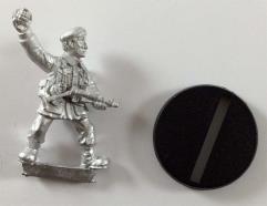 1975 Unit Soldier w/Grenade #1