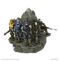 Halo Reach - Legendary Edition - Statue and Book Only!