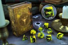 Polyhedral Dice Set - Yellow & Green w/The Yellow Sign Design (9)