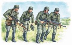 German Panzergrenadiers - 1939-42