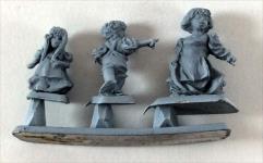 Female Hobbit & Children #1