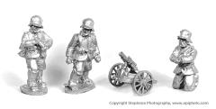 German Light Minenwerfer and Crew