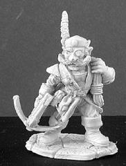 Marius Burrowell - Male Gnome Thief w/Crossbow & Rope