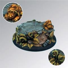 Toad in Ferns - 50mm Round Edge Base
