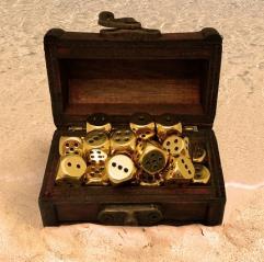d6 Mini Treasure Chest Dice Set - Radiant Gold (16)