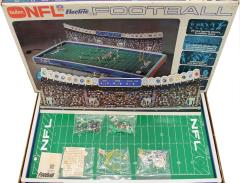 NFL Electric Football - Browns vs. Giants (Model 620)