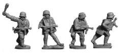 SS Troopers w/Schmeisser